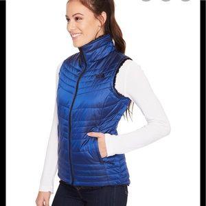 NWT North Face Reversible Mossbud Vest Blue/ Black